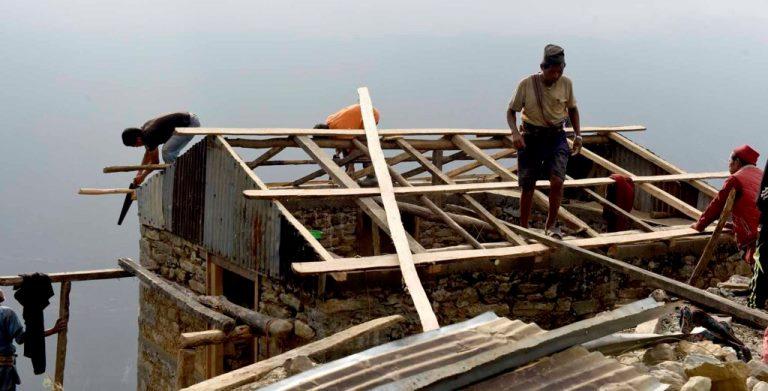 भूकम्प गएको चार वर्ष पुग्दा पनि पुनः निर्माण शुरु भएन
