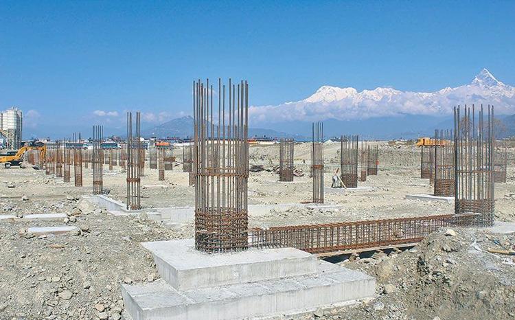 पोखरा विमानस्थलको निर्माण सामग्री कलकत्ता र केरुङमै अड्कियो, नेपाली सिमेन्ट प्रयोग गरिँदै_img