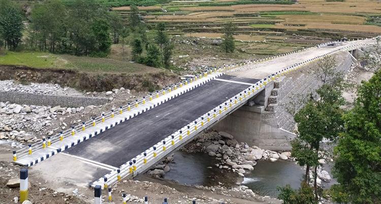 पुल निर्माणले गति लिँदै, ४ महिनामै बने ३ दर्जन पक्की पुल
