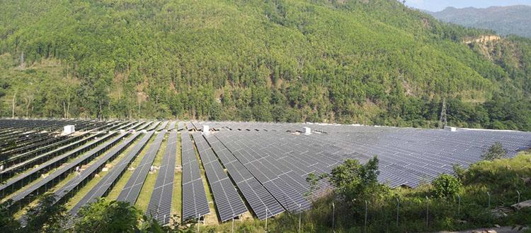 देशकै सबैभन्दा ठूलो सौर्य प्लान्टबाट विद्युत् उत्पादन शुरू, १० मेगावाट बिजुली केन्द्रीय प्रसारणमा जोडियो