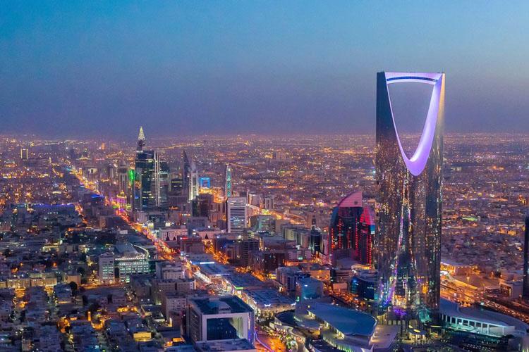 अब साउदीमा रहेका विदेशी कामदारले आफूखुसी घर फर्कन र काम परिवर्तन गर्न पाउने