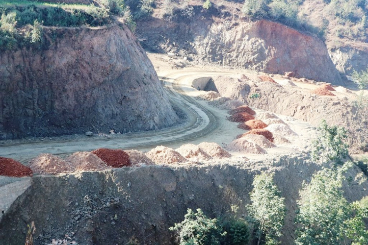 मध्यपहाडी राजमार्ग निर्माण कछुवाको गतिमा, डेढ दशकमा आधा मात्र काम पूरा