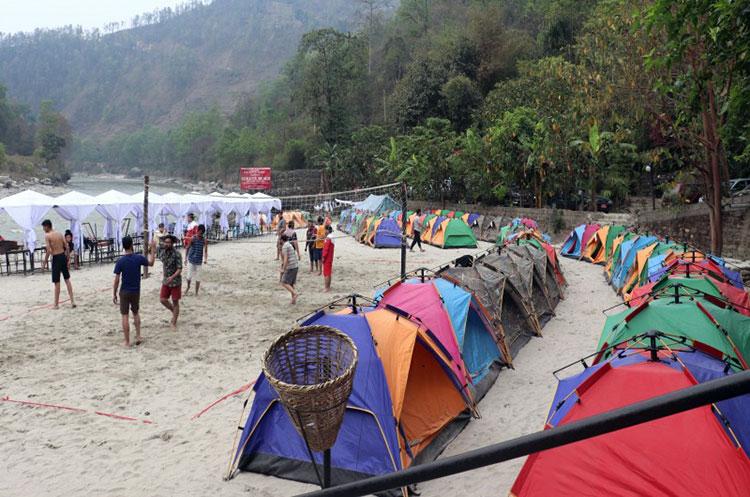 नयाँ वर्षमा जुर्मुरायो आन्तरिक पर्यटन, विदेशीको न्यास्रो मेट्दै स्वदेशी पर्यटक