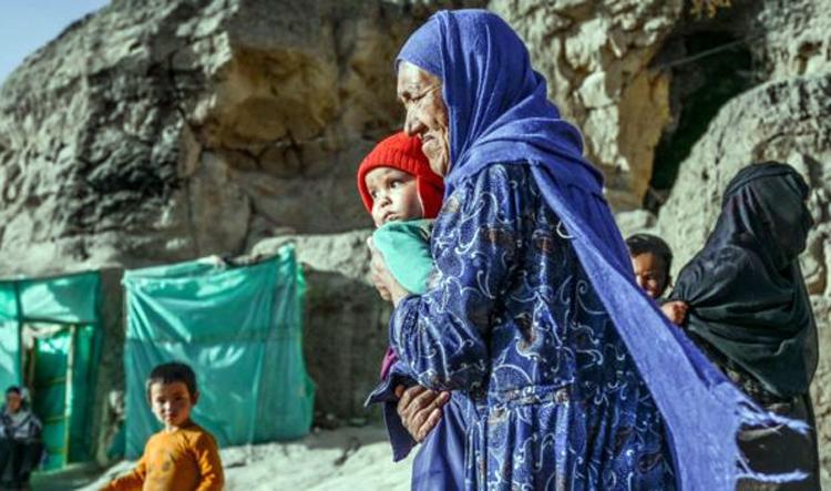 आर्थिक सङ्कटमा फस्न लागेको अफगानिस्तालाई यसरी उद्धार गर्दैछन् धनी देशले