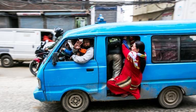 सडकमा २० वर्ष भन्दा पुराना गाडी फुक्काफाल गुड्दै, विभाग भन्छ, 'देखाउनुस् कारवाही गर्छौं'